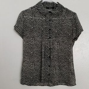 East 5th dressy blouse lightweight button down